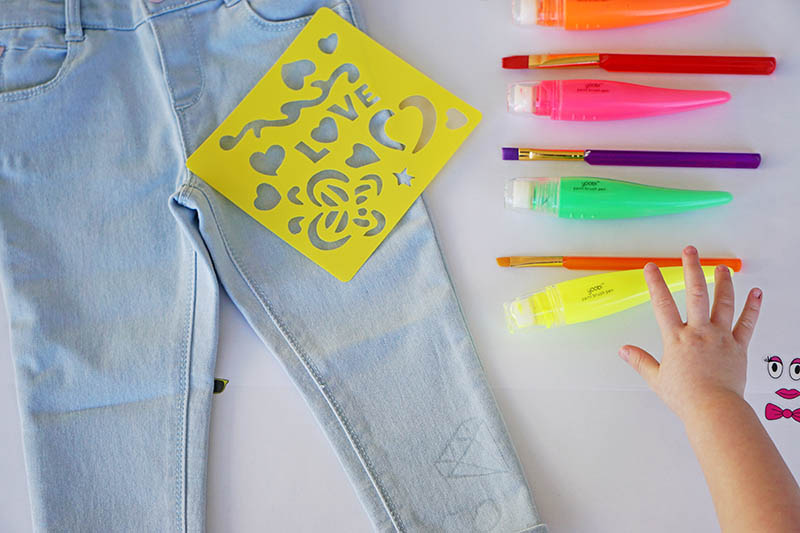 A DIY for painted pants with Yoobi by Glitter and Bubbles.