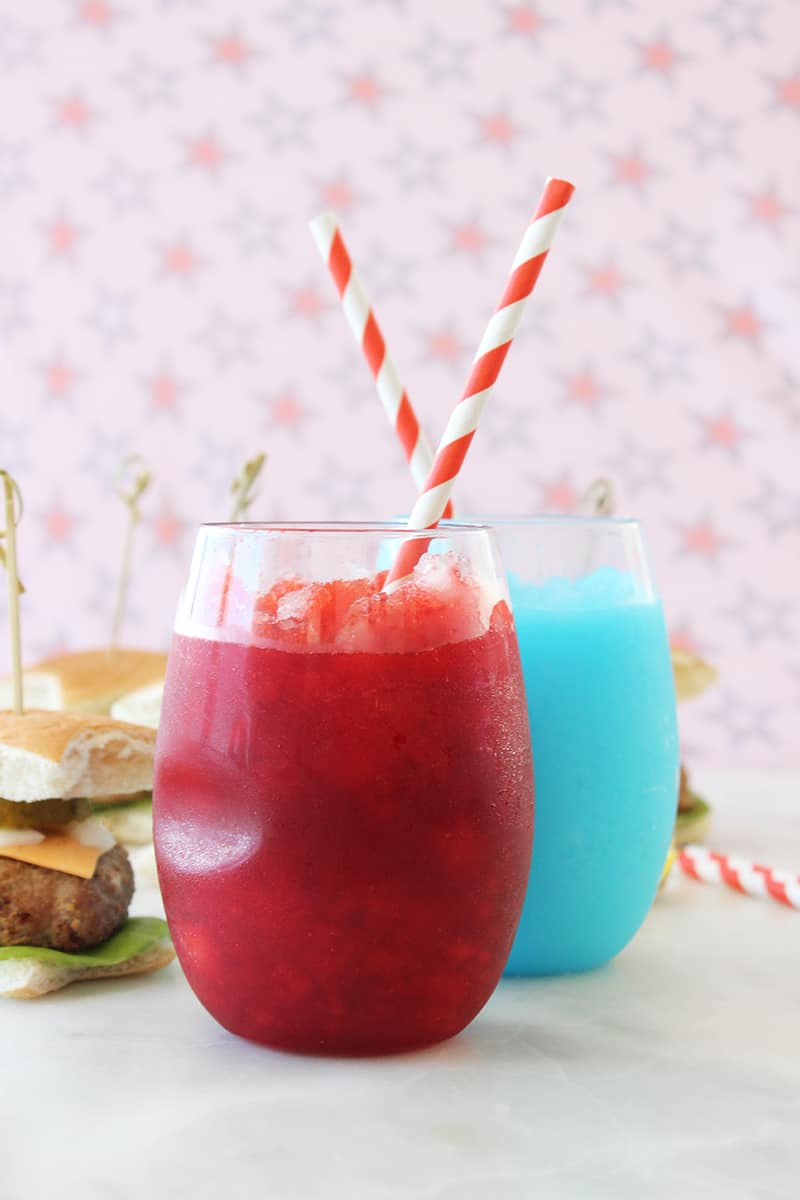 This is a recipe for red and blue slushies with star sliders by Glitter and Bubbles.