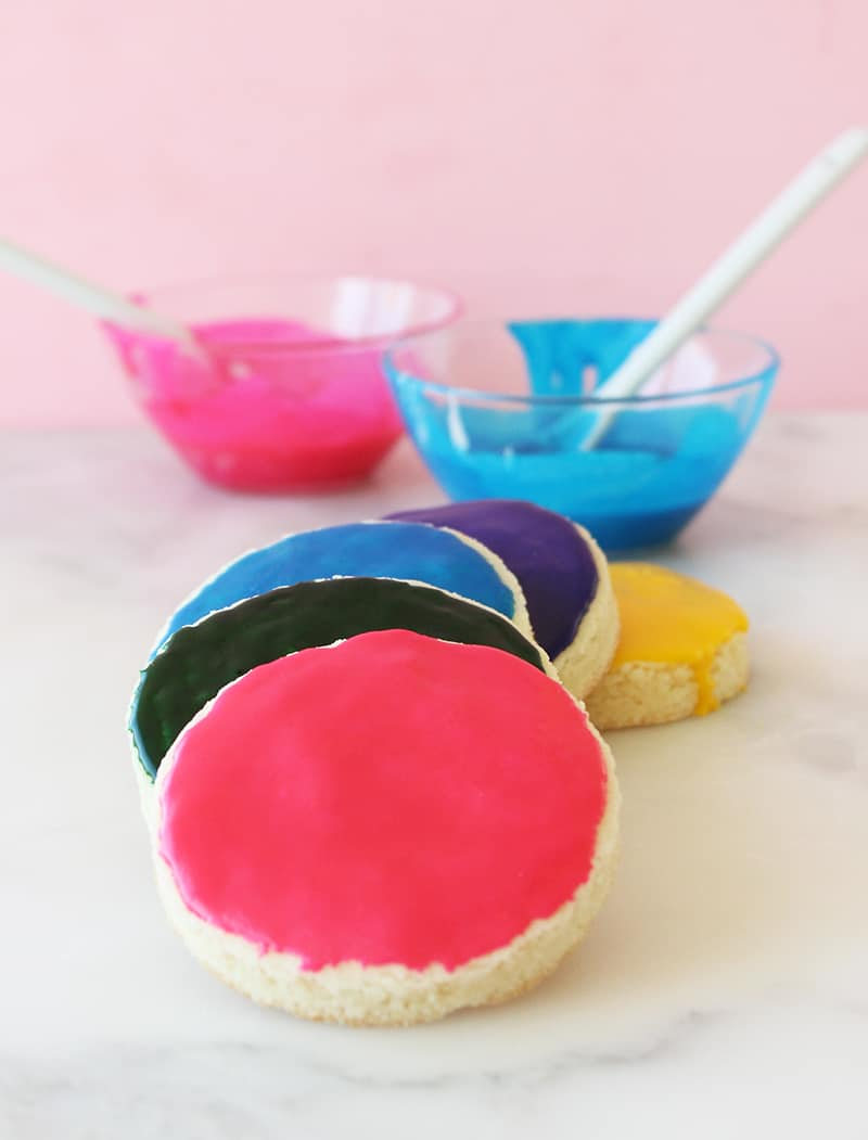 This is a recipe by Katie Driscoll for Glitter and Bubbles that showcases her Sugar Cookies recipe.