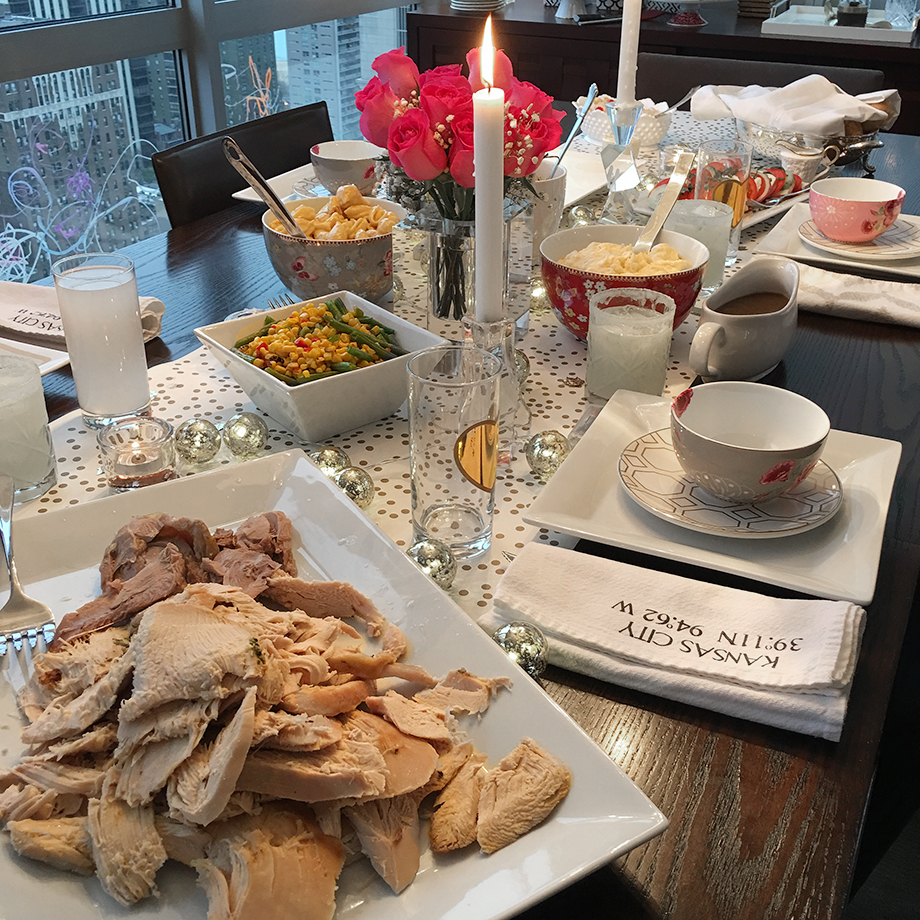 How to set a Thanksgiving table.