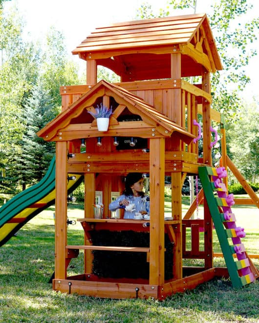DIY Outdoor Playhouse