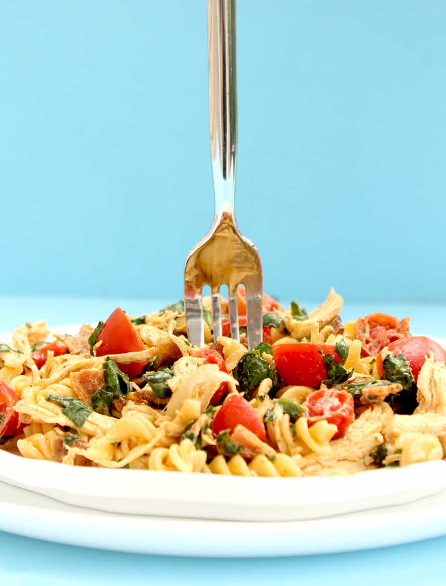 How to make a delicious spring BLT Pasta Salad.